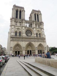 A walk into the world - Paris