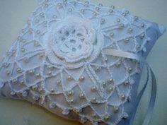 Ravelry 433 Julies Irish Wedding Ring Bearer Pillow pattern by