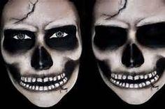 Realistic Skull Makeup for Halloween Skeleton Face Makeup, Skeleton Makeup Tutorial, Halloween Skeleton Makeup, Skeleton Face Paint, Skull Face Paint, Sugar Skull Makeup, Skeleton Mask, Halloween Makeup For Boys, Hand Makeup