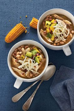 White Lightning Chicken Chili - Easy One-Dish Dinners - Southernliving. Recipe:White Lightning Chicken Chili  White Lightning Chicken Chili gets its name because it only takes 30 minutes from start to finish to get this one-dish meal to the table. Don't drain the chopped green chiles or navy beans. Serve chili with cornbread.