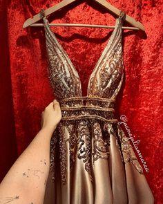 Mom Dress, Dream Dress, Fancy Dress, Party Looks, Evening Attire, Evening Dresses, Gala Dresses, Formal Dresses, Girl Fashion