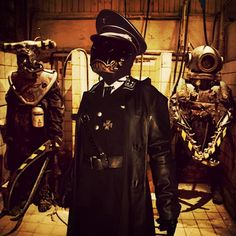 cosplay, dieselpunk hellboy. Karl Ruprecht Kroenen, steampunk, dieselpunk, SCI FI , WW2 , uniform, World War II , cosplay