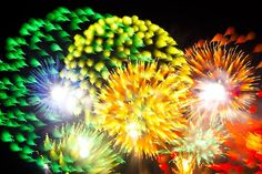 To capture the fireworks images, David Johnson didn't use common exposure settings that other photographers might use.