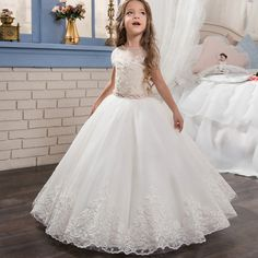 105.00$ Watch here - http://ali5eh.worldwells.pw/go.php?t=32760568019 - 2017 Flower Girl Dresses Beading O-neck Lace Up Bow Sash Sleeveless Ball Gown Custom Made First Communion Gown Vestidos Longo 105.00$