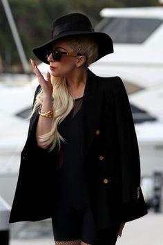 Lady Gaga Photos Photos: Lady Gaga in Sydney Lady Gaga Albums, Lady Gaga Photos, Pictures Of The Week, Kinds Of Clothes, West Hollywood, Ga Ga, Celebrities, Coat, Sydney