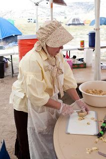 Trek Food Ideas & photo journal of trek experiences from staff point-of-view. Pioneer Day Food, Pioneer Games, Pioneer Trek, Pioneer Life, Pioneer Day Activities, Trek Ideas, Pioneer Clothing, Mormon Pioneers, Lds Youth
