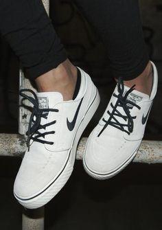 promo code 0d212 efece Embedded image permalink Shoes Online, Nike Sb Shoes, White Nike Shoes,  White Nikes