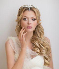 cute wedding hairstyle!