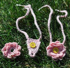 baby barefoot sandals - love the button so you can switch the flowers!