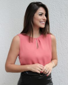 Casual Work Outfits, Simple Outfits, Chic Outfits, Blouse Styles, Blouse Designs, Look Office, Business Outfits Women, Sleeves Designs For Dresses, Moda Chic