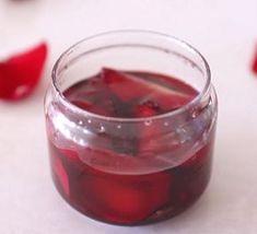 Přírodní pleťová voda – jak si ji udělat doma? TOP 10 receptů. Body Care, Red Wine, Shot Glass, Beauty Hacks, Beauty Tips, Alcoholic Drinks, Food And Drink, Homemade, Tableware