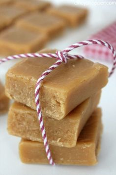 Might have to try this but with some healthier alternatives (aka not corn syrup) - Old Fashioned Peanut Butter Fudge