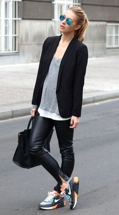 a2ed59a8ed 33 Excellent Work Outfit Ideas With Sneakers - Women s Style - Outfits