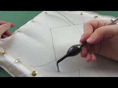 Как набрать резерв в трубочку и правильно нанести его на ткань в технике холодного батика - YouTube