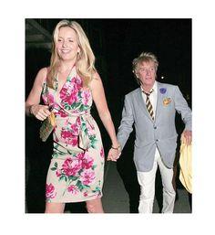 Penny Lancaster y Rod Stewart El rockero Rod Stewart es 7 centímetros más bajito que su esposa Penny Lancaster, quien mide 1.85 metros.