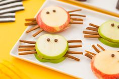 2 Healthy Halloween Snacks to Make With Your Kiddos 2 Healthy Halloween Snacks to Make With Your Kiddos via Brit Co. The post 2 Healthy Halloween Snacks to Make With Your Kiddos appeared first on Halloween Treats. Halloween Fruit, Halloween Snacks For Kids, Healthy Halloween Treats, Fall Snacks, Snacks To Make, Holiday Snacks, Halloween Goodies, Halloween Food For Party, Kindergarten Halloween Party