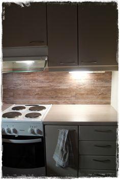 ஓPähkinä kuoressaஐ: DIY: Dc-Fix Keittiöön Kitchen Cupboard Handles, Kitchen Cupboards, Diy Door, Diy Kitchen Cupboards, Kitchen, Kitchen Dining, Cupboard Design, Diy Kitchen, Dc Fix Kitchen