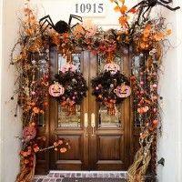 Decorated fall door  http://www.reginagust.com/galleries