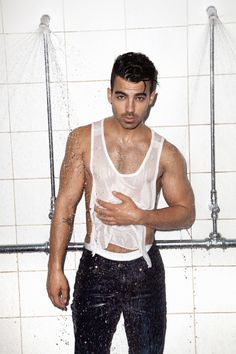 The Joe Jonas nude pics DEFINITELY hit the sweet spot. The American pop singer's naked gallery will make the…