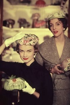 Does yhe lady on the right look like Isabella Blow or what?!?!,  50s hat