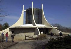 Once iconic Great Ape House torn down at the Kansas City Zoo Kansas City Zoo, Zoo Architecture, Tear Down, Orangutan, House, Travel, Buildings, Park, History