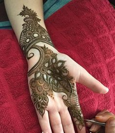 Eid Mehndi Designs 2019 for Girls (Pakistani Finger Hands Mehandi Designs) Stylish Mehndi Designs, Mehndi Design Pictures, Arabic Mehndi Designs, Beautiful Mehndi Design, Latest Mehndi Designs, Simple Mehndi Designs, Mehndi Designs For Hands, Henna Tattoo Designs, Mehandi Designs
