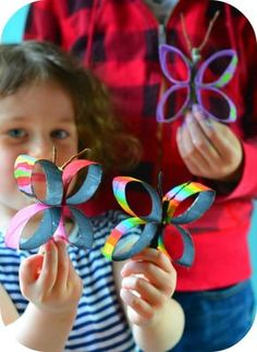 These 15 creative paper towel and toilet paper roll crafts let you recycle and keep kids entertained at the same time! Kids Crafts, Summer Crafts, Preschool Crafts, Creative Crafts, Butterfly Kids, Butterfly Crafts, Rolled Paper Art, Toilet Paper Roll Crafts, Crafty Kids