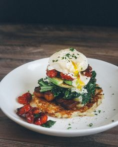 Paleo California Eggs Benedict Recipe, fancy but easy, grain free, gluten free… Brunch Recipes, Paleo Recipes, Cooking Recipes, Savory Breakfast, Breakfast Time, Clean Eating, Healthy Eating, Crepes, Morning Food