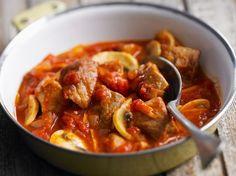 Découvrez la recette Sauté de veau Marengo sur cuisineactuelle.fr.