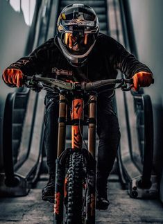 Likes, 15 Comments - Mtb loverss😍 Downhill Bike, Fully Bike, Velo Dh, Velo Biking, Mountain Biking, Montain Bike, Mt Bike, Road Bike, Bike Photography