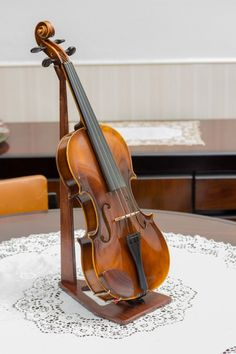 Violin stand. Need.