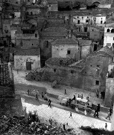 Child's Funeral, Matera, Italy, 1948, David Seymour
