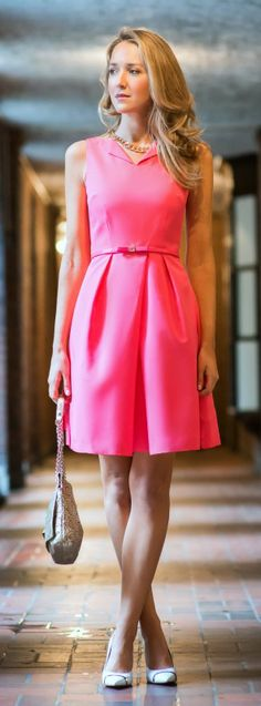 Shot by Alexander Scott Harris Dress: Ted Baker via Nordstrom Neon Pink Dresses, Cute Dresses, Jw Moda, Classy Cubicle, Business Fashion, Business Casual, Business Style, Business Wear, Ily Couture
