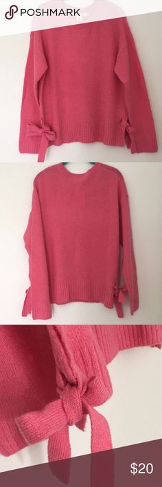 "NWT H&M Pink Knots Sweater Size S Cute pink sweater! 2 knots on both size.  - Length: 23""  -Size: S  -Bust: 33""34.5""  -Waist: 26.75""-28.5""  -Hips:36.25""-37.75""  Buy more and save more!  *How to bundle? 1) Click on the icon in the upper right hand corner of the listing and click ""Add to Bundle."" 2) Adding items to dressing room 3) Make an offer to me with other items  Happy shopping! H&M Sweaters Crew & Scoop Necks"