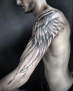 Kuvan mahdollinen sisältö: ainakin yksi henkilö ja lähikuva Wing Tattoo On Shoulder, Wing Tattoo Arm, Eagle Wing Tattoos, Cool Shoulder Tattoos, Inner Forearm Tattoo, Body Art Tattoos, Girl Tattoos, Sleeve Tattoos, Mens Tattoos