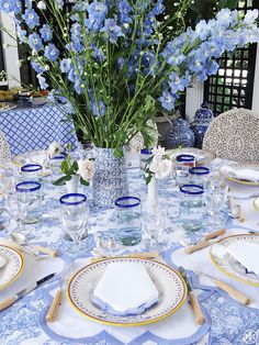 Tips on creating a casual yet intimate table setting for Mother's Day
