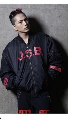 三代目j Soul Brothers, Man Bun, Japanese Men, Fashion Men, Make Me Smile, Kdrama, Singers, High Low, Bomber Jacket