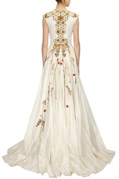 Off-white embroidered flared gown available only at Pernia's Pop-Up Shop. Asian Fashion, Women's Fashion, Fashion Outfits, Fashion Design, Fabulous Dresses, Beautiful Gowns, Samant Chauhan, Fantasy Outfits, Off White Dresses