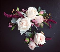 Engagement cake florals from Beautiful Flowers
