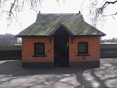 :: Hut, Pimlico Gardens near to Westminster, Great Britain by Robin Sones Westminster, Robin, Britain, Shed, England, Gardens, Outdoor Structures, London, House Styles