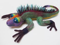 Needle Felted Iguana von YaxchiArt auf Etsy, $75.00