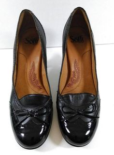 SOFFT Black Tuxedo Style Closed Toe Ladies Shoes Hels Size 9 EUC #Sooft #PumpsClassics #SpecialOccasion
