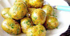 Potatissallad med brynt smör och sommarörter