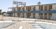 Old Hotels Are Transformed Into Stunning Apartments For Homeless Veterans via LittleThings.com Homeless Veterans, Salton Sea, What A Beautiful World, Homeless People, Strange Places, Helping The Homeless, Yahoo Images, Motel, Tiny House