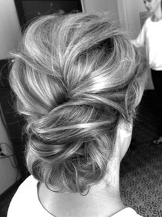 Hair does Pretty collection of simple yet gorgeous up dos for weddings and other special events. - Click image to find more hair posts
