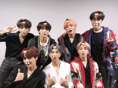 All i want for Christmas is ARMY 🎄💜 It's a must to loop the 2018 Gayo Daejeon performance where you got to see a medley of BTS' classics😁✨ Seokjin, Kim Namjoon, Daejeon, Jung Hoseok, K Pop, Rapper, Les Bts, Bts Group Photos, Bts 2018
