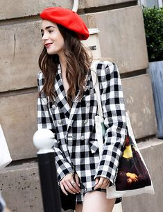 Lily Collins spotted shooting 'Emily in Paris' TV show in Paris, France (August Paris Outfits, Summer Dress Outfits, Fashion Outfits, Fashion Tips, Fasion, Fashion Ideas, Winter Outfits, Casual Outfits, Fashion 2020