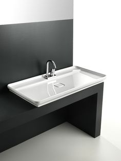 Naked, design Meneghello Paolelli Associati #lavabo #washbasin #design
