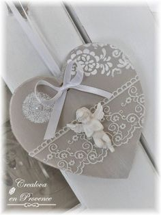 Discover recipes, home ideas, style inspiration and other ideas to try. Valentines Bricolage, Easy Valentine Crafts, Valentine Decorations, Wooden Hearts Crafts, Heart Crafts, Shabby Chic Crafts, Vintage Crafts, Diy Arts And Crafts, Clay Crafts