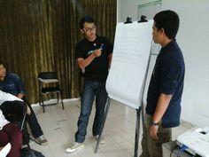 Perwakilan peserta dr salah satu group utk presentasi hasil diskusi